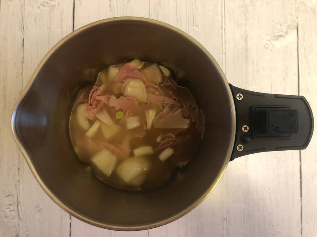 the ingredients for pea and ham soup in a morphy richards soup maker