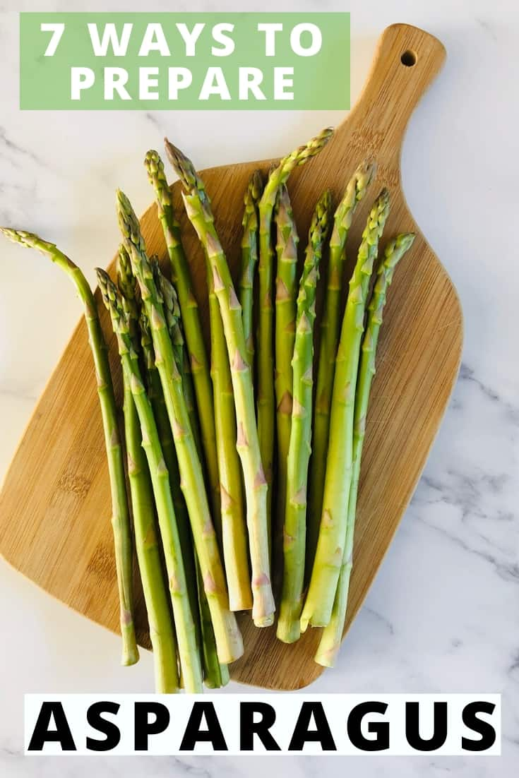 asparagus on chopping board